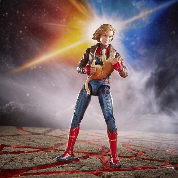 Marvel - Hasbro Action Figure: 6 Inch: Legends - Captain Marvel Series 1.0: #02 Captain Marvel